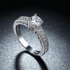 Кольцо женское серебряное с цирконием